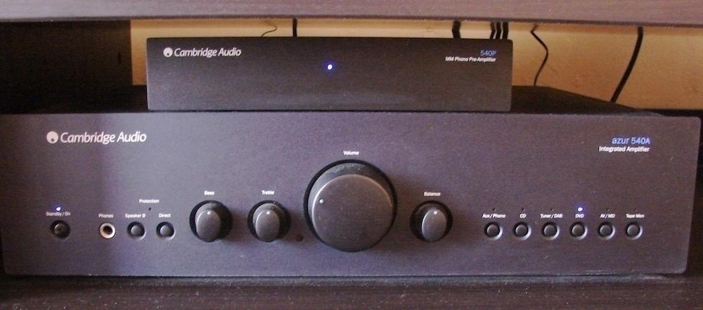 Le Cambridge Audio Azur 540A et le Pré-Ampli Cambridge