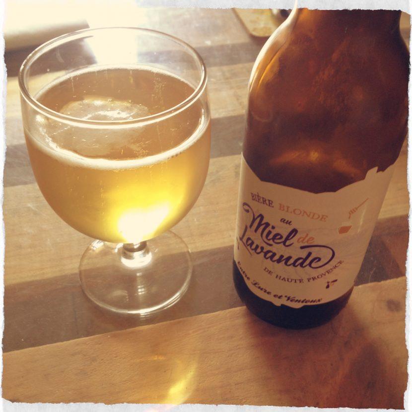 Un verre de bière provençale