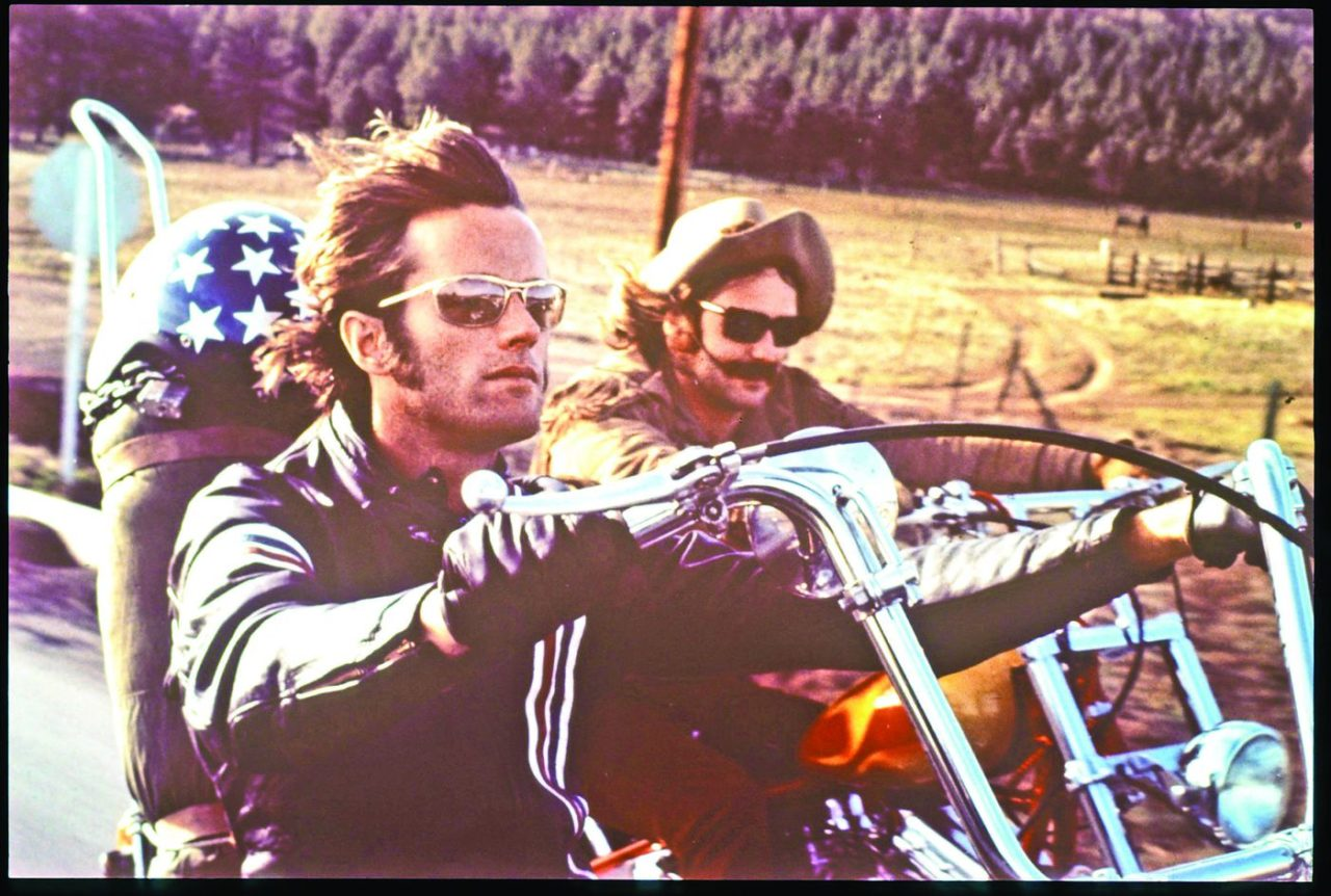 Photo du film Easy Rider, avec Denis Hooper et Peter Fonda sur leurs motos