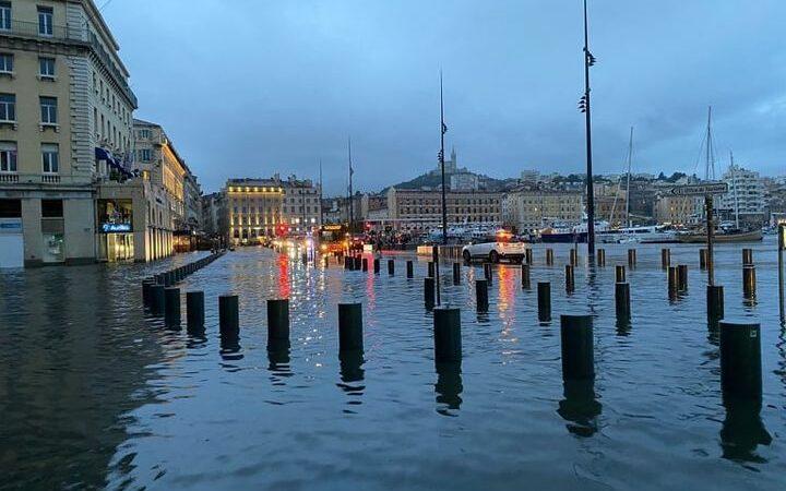 Marseille et son vieux port inondé !